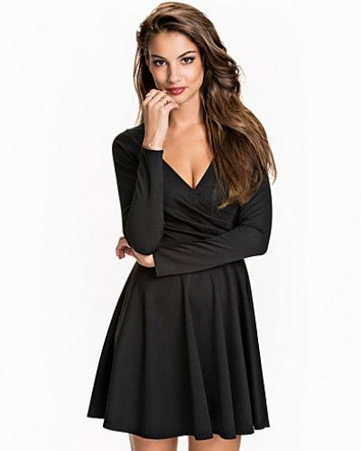 NLY One långärmad klänning till dam. Long Sleeve Wrap Skater 33d352ed6296e