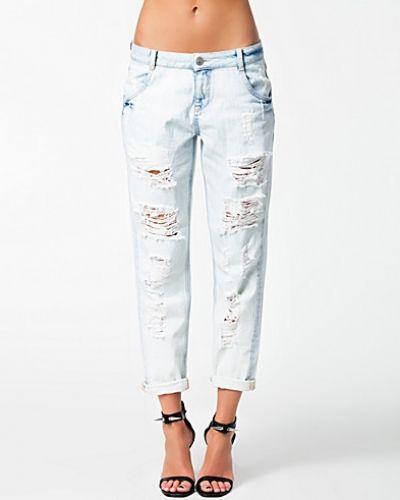 Vit boyfriend jeans från Notion 1.3 till dam.