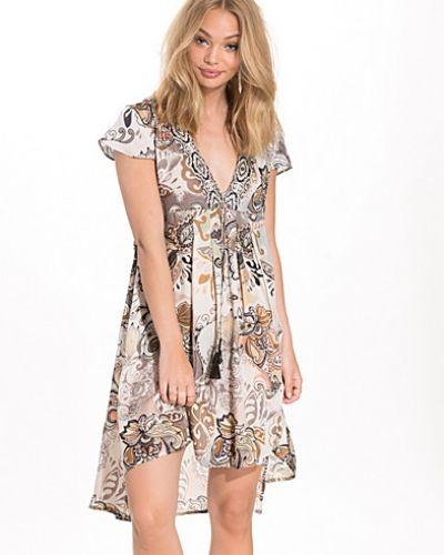 Till dam från Odd Molly, en flerfärgad klänning.