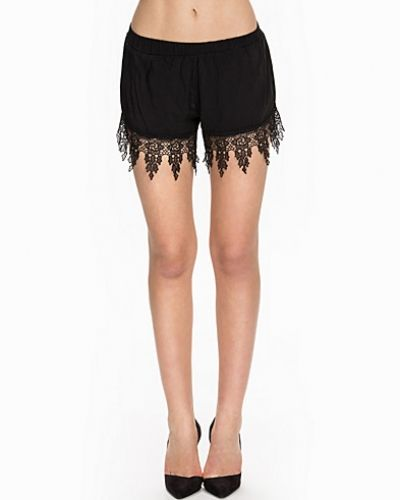 NLY Trend Lovely Lace Shorts