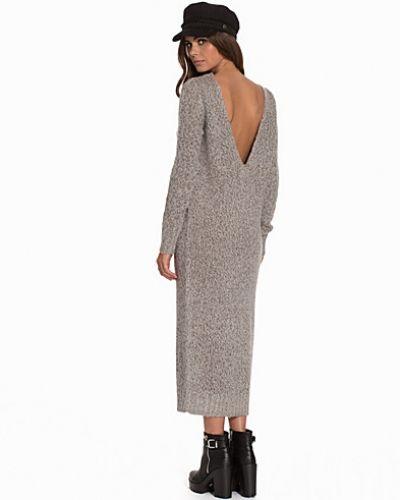 NLY Trend långärmad klänning till dam.