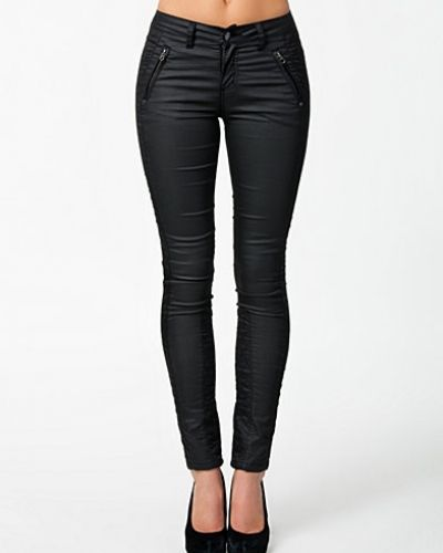 Lucca Jeans Selected Femme slim fit jeans till dam.