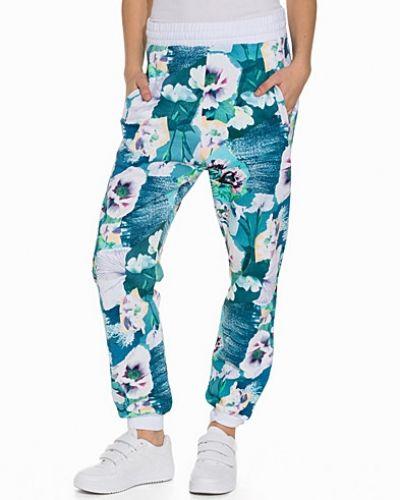 Lucy Flower Sweatpants Sweet sktbs mjukisbyxa till dam.