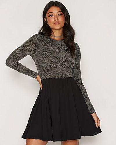 Lurex Chiffon Dress NLY One klänning till dam.