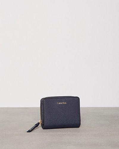 Calvin Klein plånbok till dam.