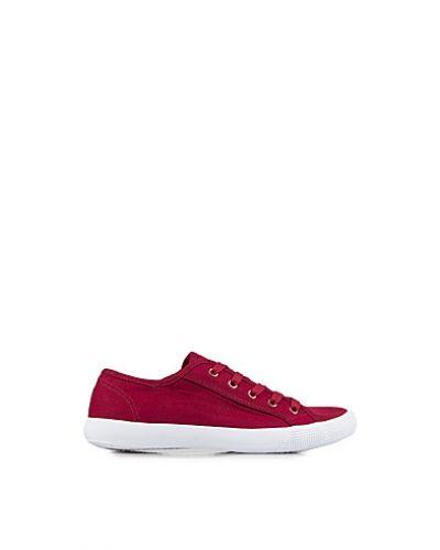 Till dam från New Look, en röd sneakers.