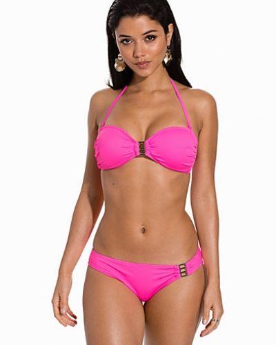 Till tjejer från Marie Meili, en rosa bikinitrosa.