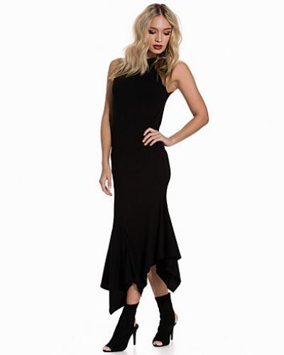 Till dam från Cheap Monday, en svart maxiklänning.