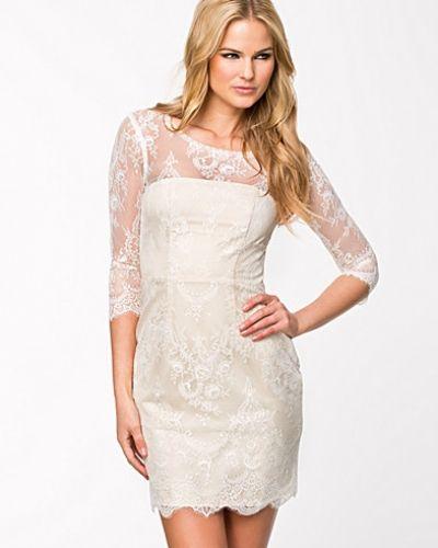 ida sjöstedt vit spetsklänning