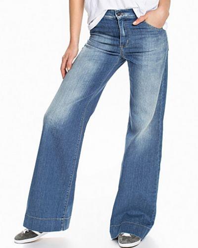 Dagmar bootcut jeans till dam.