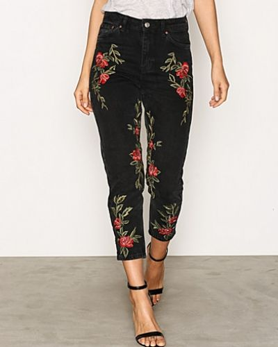 MOTO Rose Embroidered Mom Jeans Topshop straight leg jeans till dam.
