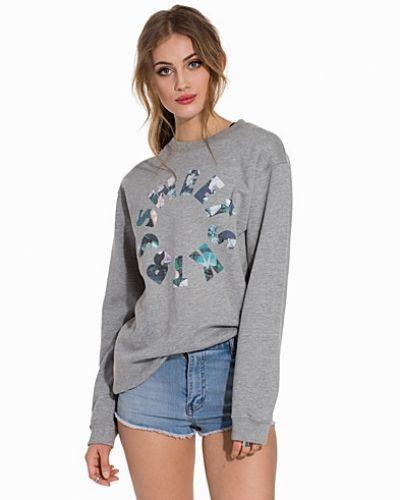 Sweet sktbs sweatshirts till dam.