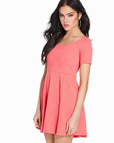 Till dam från Sally&Circle, en klänning.