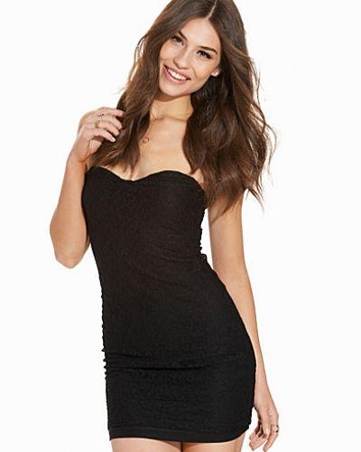 Till dam från Sally&Circle, en svart festklänning.