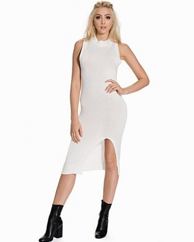 My Side Knitted Dress från NLY Trend. Off Shoulder Slash Dress från NLY One a634cfc7464bf