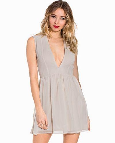 Klänning My Sweet Dress från NLY Trend
