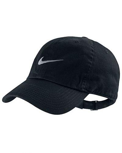 Svart huvudbonad från Nike till dam.