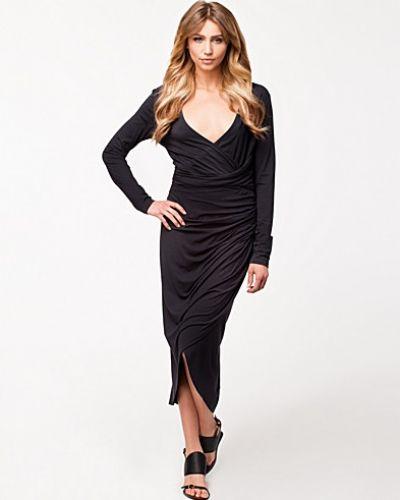 Nora Dress Selected Femme långärmad klänning till dam.