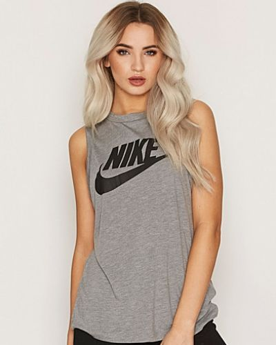 Till dam från Nike, en grå linnen.