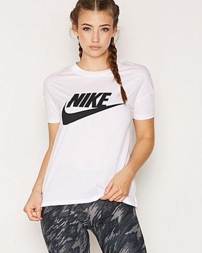 T-shirts från Nike till dam.