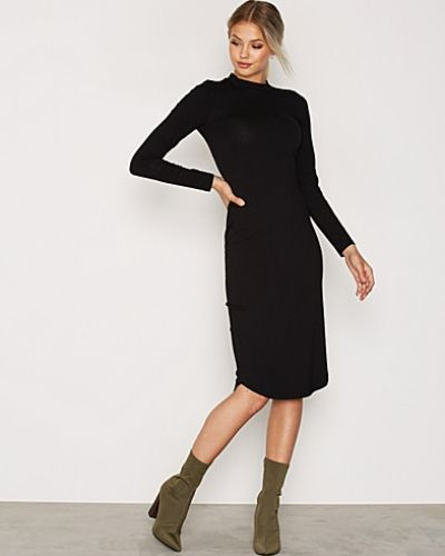 Off Duty Midi Dress NLY Trend midiklänning till dam.