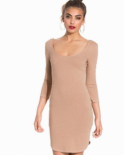 Klänning Off Duty Party Dress från NLY Trend