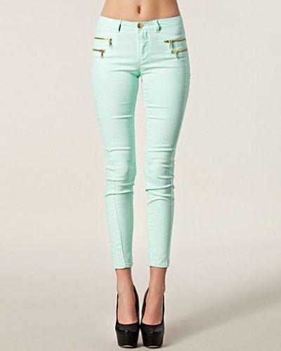 Till dam från ONLY, en grön slim fit jeans.