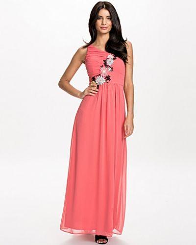 Till dam från Elise Ryan, en rosa maxiklänning.
