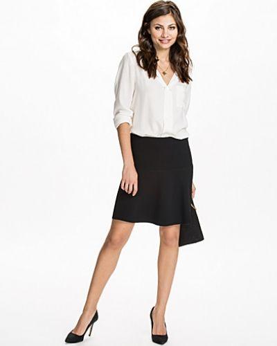 Onilla Skirt By Malene Birger minikjol till kvinna.