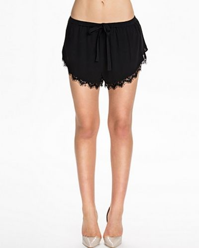 NLY Blush shorts till dam.