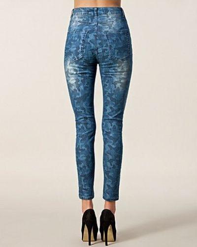 Blå slim fit jeans från JUST FEMALE till dam.