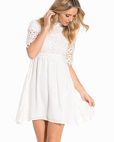 Till dam från mbyM, en klänning.
