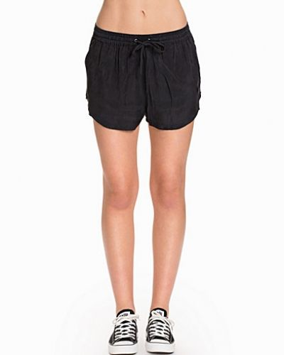 Till tjejer från Calvin Klein Jeans, en jeansshorts.
