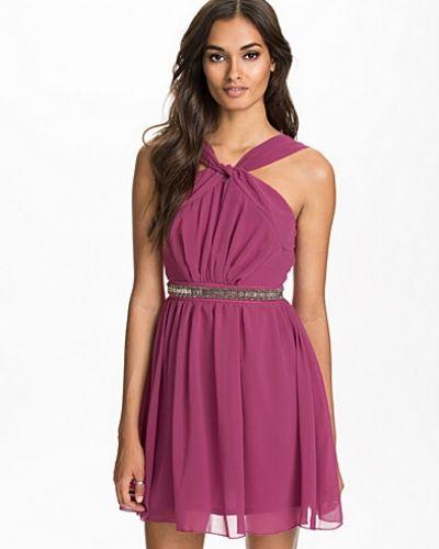 Lila klänning från Elise Ryan till dam.