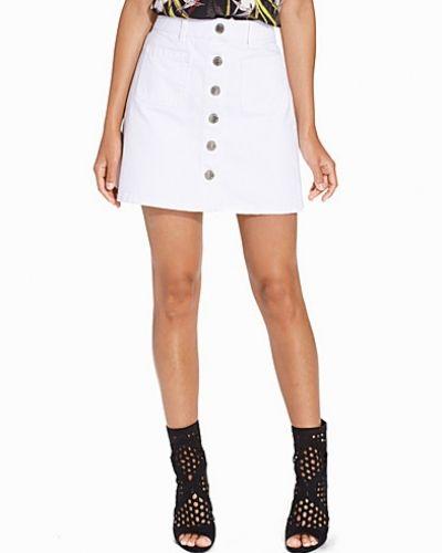 Till tjejer från Miss Selfridge, en vit jeanskjol.
