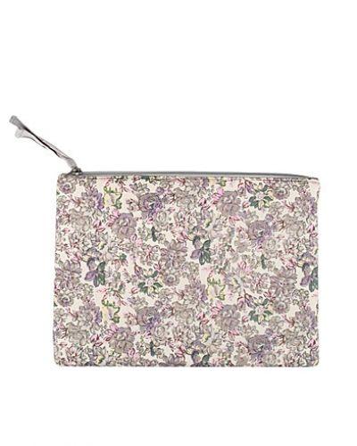 Vit kuvertväska från Pieces till tjejer.