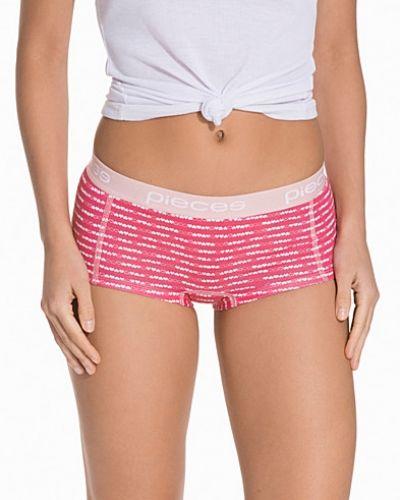 Till dam från Pieces, en rosa boxertrosa.