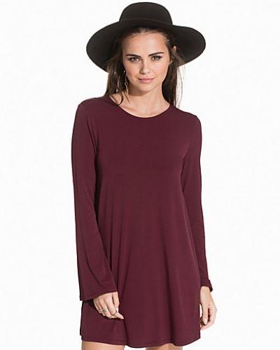 Perfect A-Lined Dress NLY Trend långärmad klänning till dam.