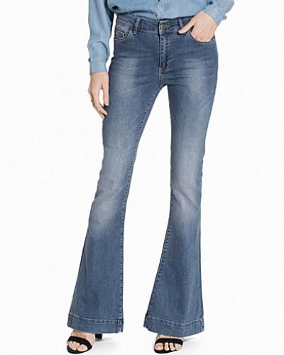 NLY Trend Perfect Flare Denim
