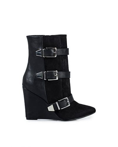 NLY Trend Phenom Boot