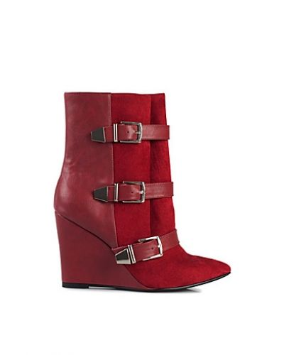 NLY Trend Phenom Boot