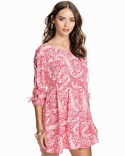 NLY Trend Pick Me Paisley Dress