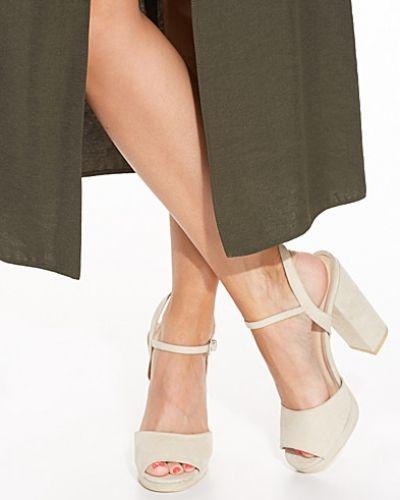 Högklackade Platform Block Sandal från Nly Shoes