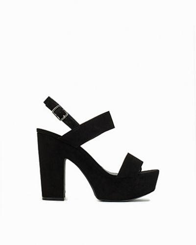 Högklackade Platform Chunky Sandal från Nly Shoes