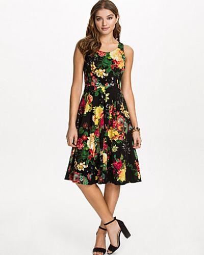Closet Pleated Flower Dress