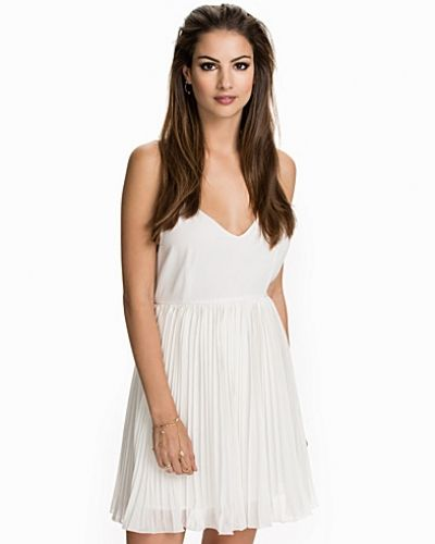 Plisse' Please Dress NLY Trend klänning till dam.