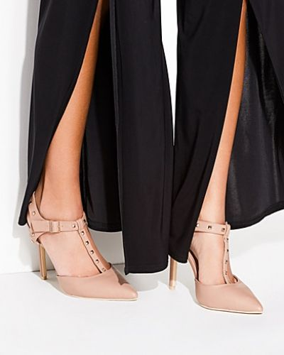 Pumps Pointy Stud T-bar Pump från Nly Shoes