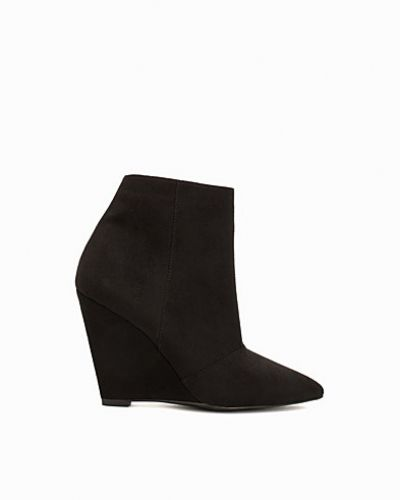 Pointy Toe Wedge Boot från Nly Shoes