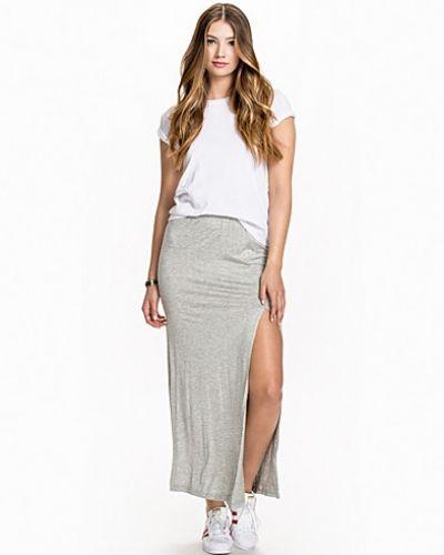 Till tjej från Rut&Circle, en grå långkjol.