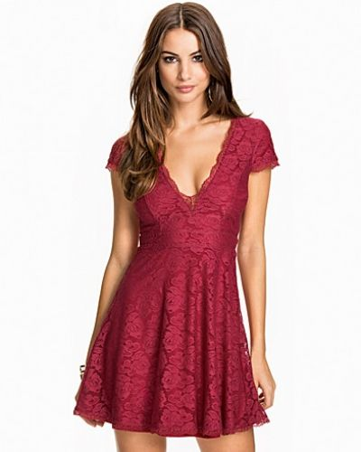 Klänning Princess Lace Dress från NLY One
